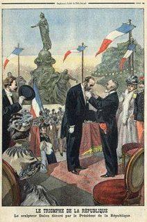 Illustration représentant Dalou décoré par la République