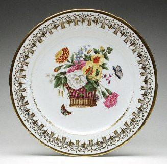 assiette en porcelaine de Coalport à motifs floraux