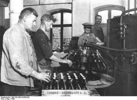 Photo d'ouvriers de la brasserie Landré, à Berlin (1930)