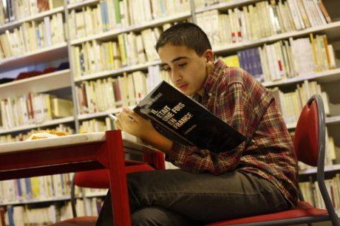 Bibliothèque et salle de lecture du Centre Culturel français d'Alger
