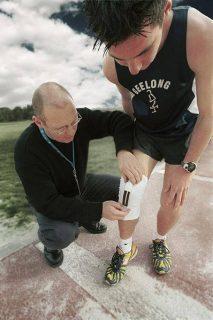 Photo d'un sportif portant une genouillère en textile intelligent