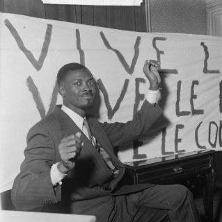 Patrice Lumumba à Bruxelles, janvier 1960 [CC BY SA 3.0 nl] via Nationaal Archief, NL