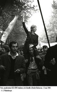 Photo noir et blanc d'une manifestation étudiante en 1968