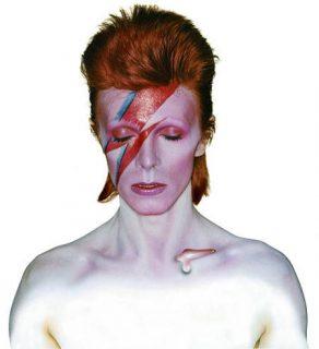 David Bowie dans le personnage d'Aladdin Sane (1973)