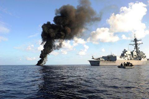 photographie de L'USS Farragut dans le Golfe d'Aden