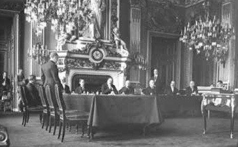 Photographie prise dans le salon de l'horloge du Quai d'Orsay
