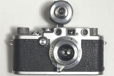 Leica de 1952 avec son viseur additionnel.