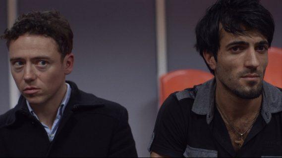 James et Firat écoutent et essaient de comprendre