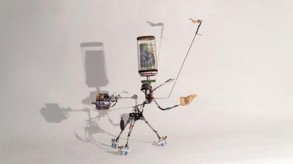 petit robot à base de brosses à dents