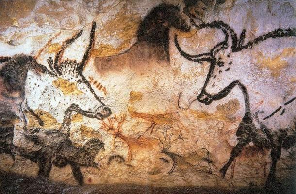 Peintures d'animaux dans la grotte de Lascaux