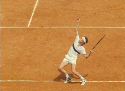 John McEnroe au service