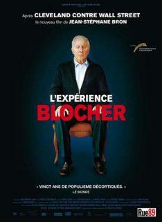 Christoph Blocher sur une chaise, au centre de l'affiche