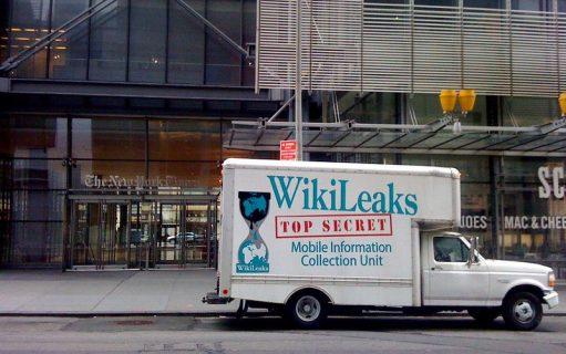 Camion WikiLeaks devant le New York Times