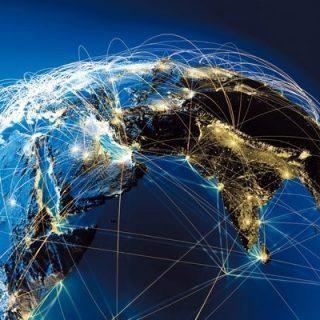 globe connecté nocturne