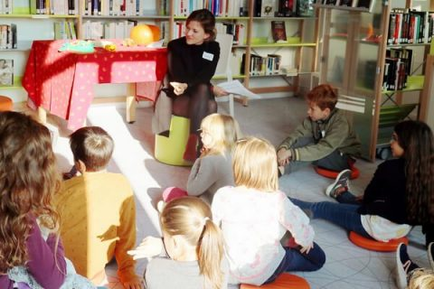 groupe d'enfant en cours